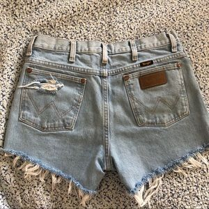 Vintage distressed high-waisted Wranglers shorts